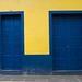 Blue Doors por Josef Rios