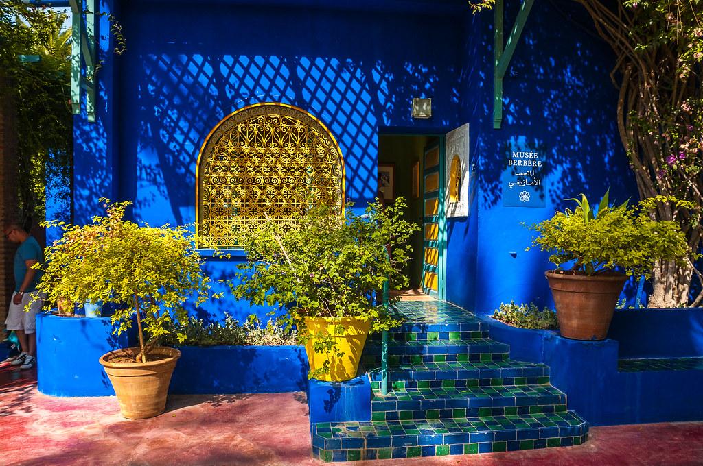Jardin majorelle marrakech 8000 m 300 esp ces for Jardin yves saint laurent maroc