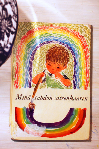 Rainbow-theme children's book