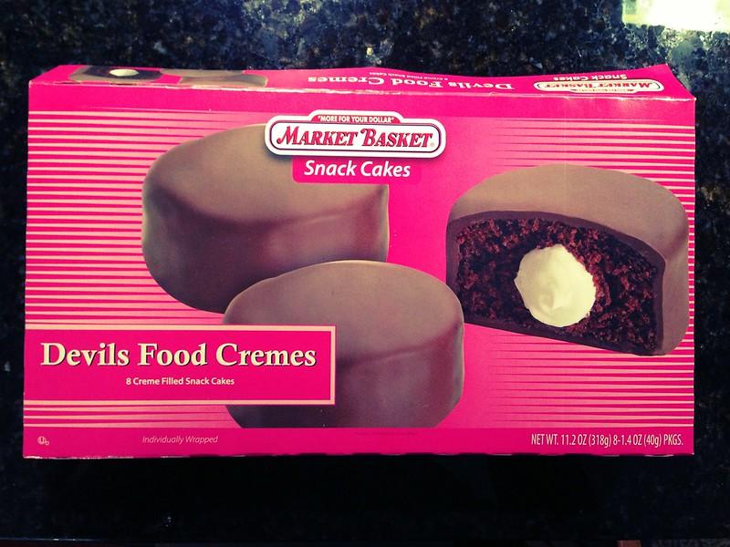 Market Basket Devils Food Cremes Snack Cakes.