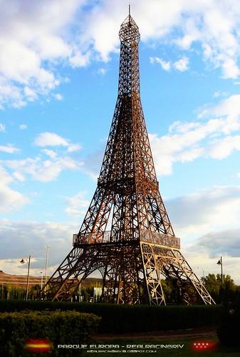 Torre Eiffel Parque Europa by Marcos_Rivas