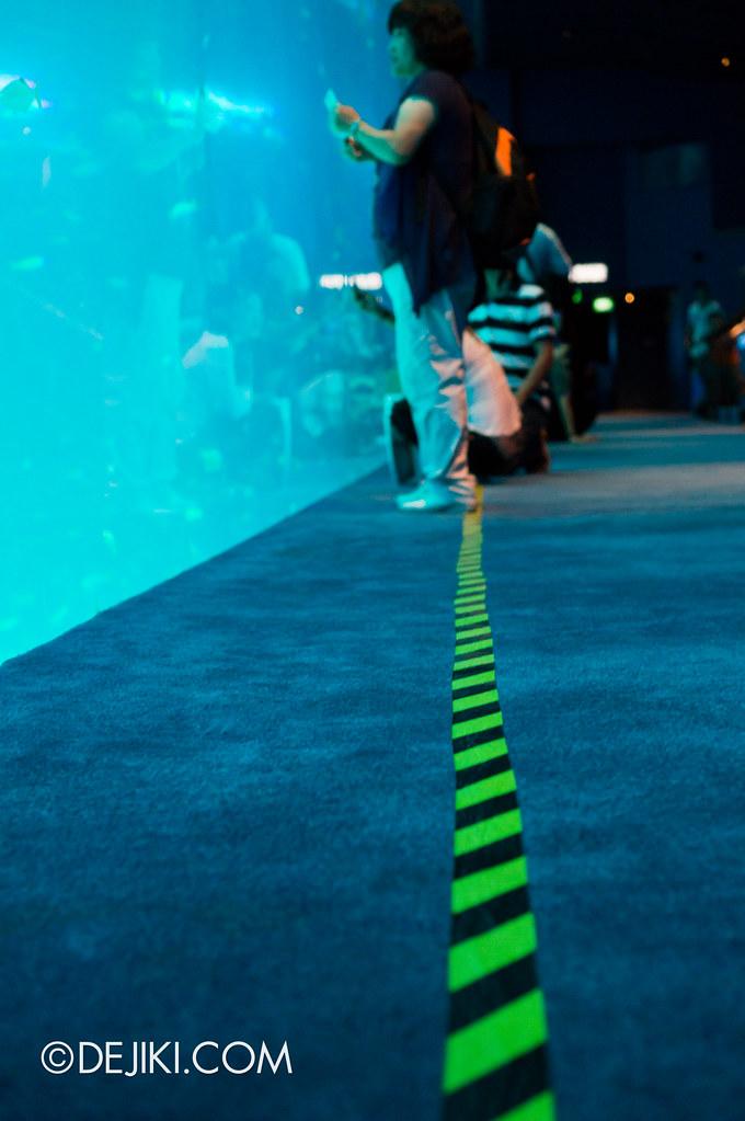 S.E.A. Aquarium - The Line