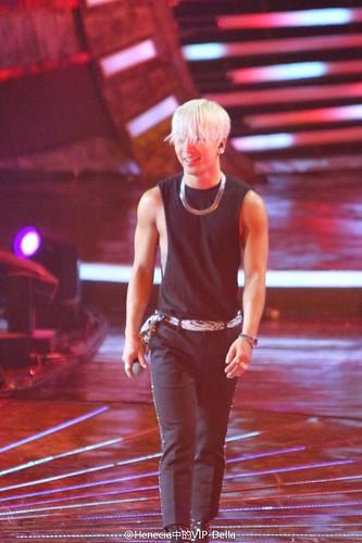 Taeyang-YoungChoiceAwards2014-Beijing-20141210_HQs-06