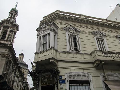 Buenos Aires: la farmacia Estrella, fondée en 1834 et donc une des plus vieilles pharmacies de la capitale