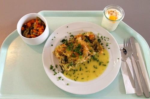 Lachslasagne mit Curry-Meerettichsauce