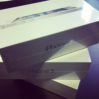 Apple iPhone 5's // make a stack