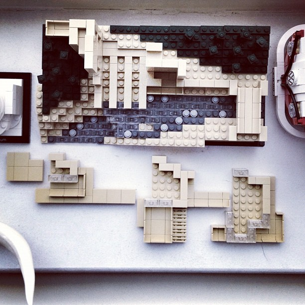 Great attention to details, parts of it slides like a cantilever. #lego #fallingwater