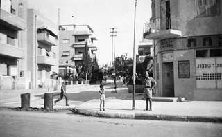 Jul 1942 - One of Tom's 2/4 AMCU mates in street of Tel-Aviv, Palestine