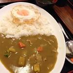 黄色いカレー 浦添市 寿味食堂 750円
