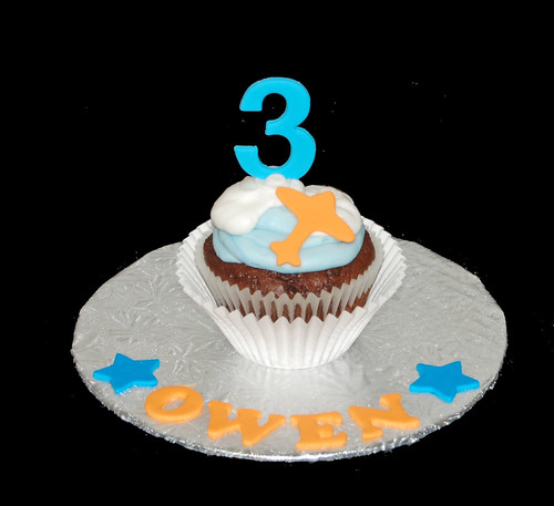 3rd birthday personalized jumbo cupcake