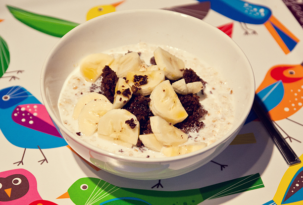 Overnight oats with brownies and banana