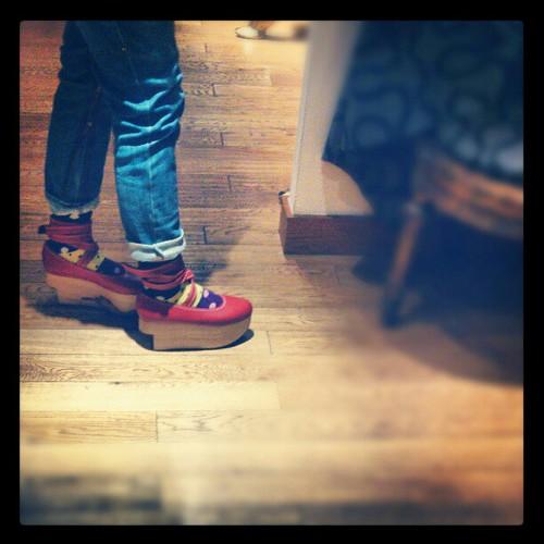 我愛紅鞋之唔買都試下!