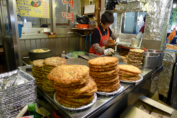 Gwangjang market-bindaeduk