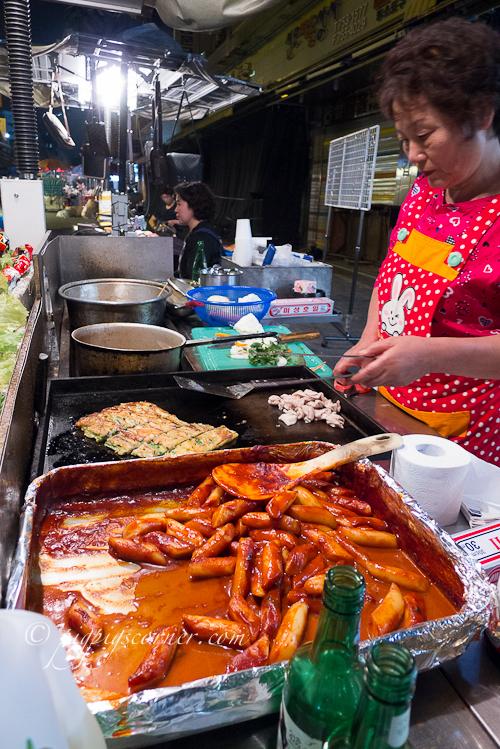 Namdaemun market-street food-ddeokbokki