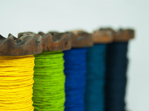 paper-twine-blue-yellow