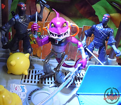 Nickelodeon  TEENAGE MUTANT NINJA TURTLES :: FISHFACE  xiii / .. with Nick Foot Soldiers (( 2012 ))