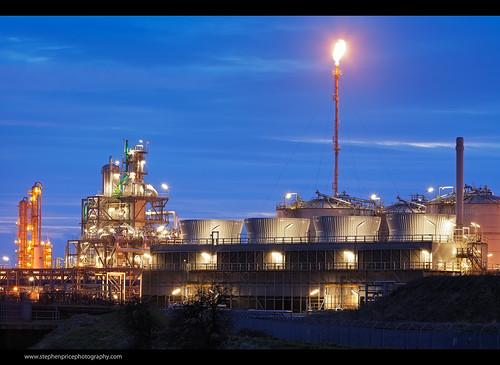 industry lights industrial factory nightlights steel pipes flame telephoto nighttime bluehour hull bp tanks afterdark chemicalplant saltend 70300 steveprice