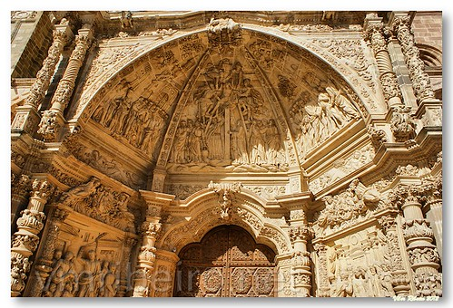 Detalhe do portal da catedral de Astorga by VRfoto