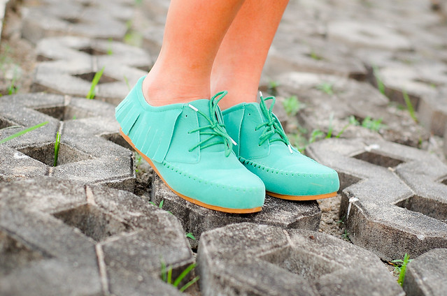 bright sea green flats