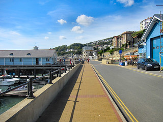 Walking along Ventnor seafront...