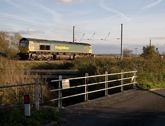 66 568 leaves Conington loop, Peterborough with a northbound freightliner