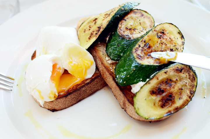 betweenUs poached eggs zuchini