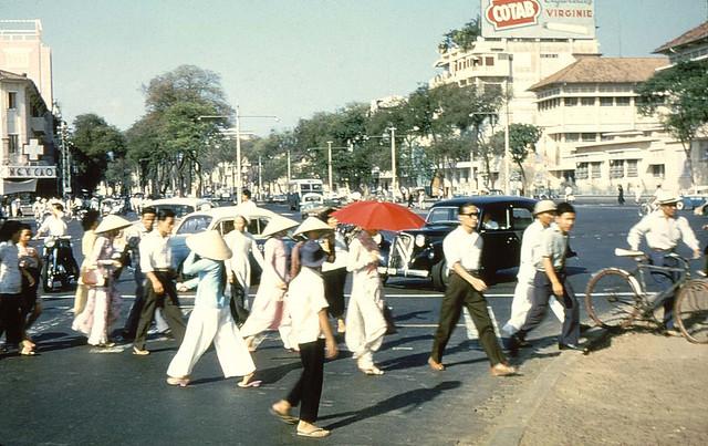 Saigon 1956 - đường Lê Lợi