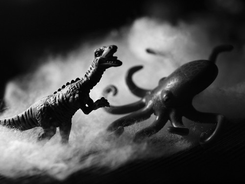 dinosaur vs octopus