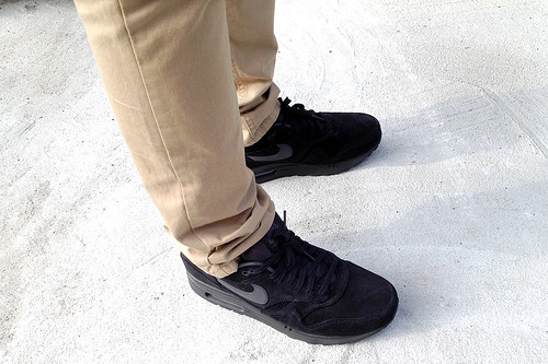 WOMFT AM1 BLACK