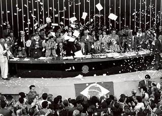 Promulgação da Constituição Brasileira - 05/10/1988
