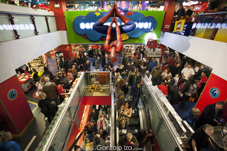 Hamleys la jugueter a de londres flickr photo sharing - Boutique lego londres ...
