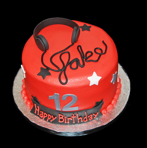 rock themed 12th birthday cke with headphones