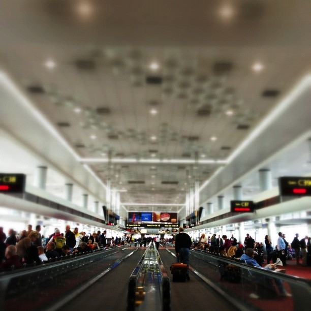 Time, traveling. #denver #latergram #airport #shuttersisters #instamuse
