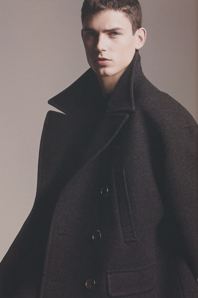 Arthur Gosse0007_Neil Barrett FW12(HUgE95_2012_10)