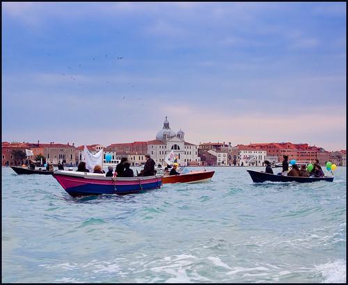 Venetie vanaf het water by hans van egdom