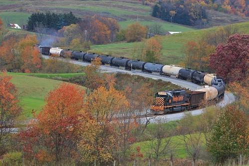 railroad autumn fall rook westland railroads southview sd402 sd40 sd403 wle rookyard wheelinglakeerie wheelinglakeerierailway rooksubdivision westlandbranch