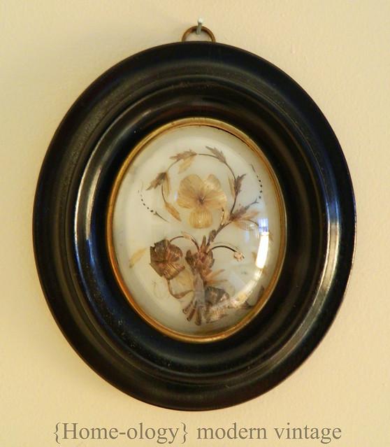 victorian mourning art via homeologymodernvintage.com