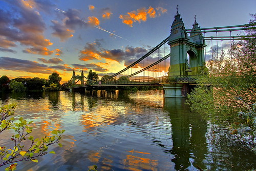 uk sunset london thames river tramonto day cloudy fiume hammersmith londra regnounito tamigi slidingdoors canonefs1022mmf3545usm canoneos60 impressedbeauty andreapucci hammersimthbridge