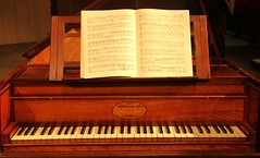 classical music, piano, keyboard, harpsichord, fortepiano, spinet, player piano,