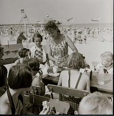 Scheveningen Strand 04 Consumptie inschenken