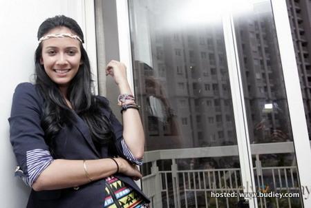 Gossip Gambar Nadine Alexandra Buat Seks Dengan Pelakon Wanita
