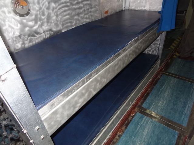 submarine-bunks