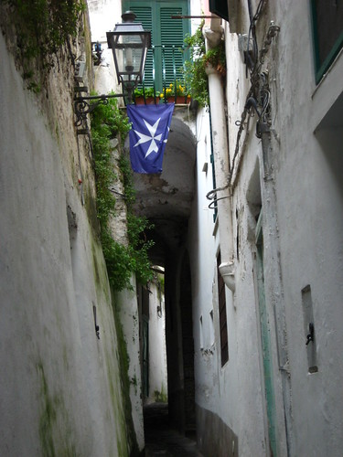 The cross of Amalfi. This flag was hung throughout the city.