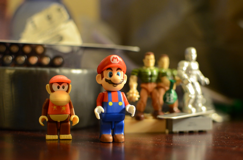 KNEX Diddy Kong and Mario