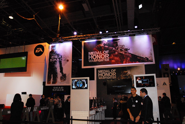 Stand Electronic Arts - Dead Space 3 / Medal of Honor Warfighter