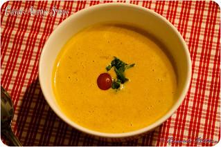 Linsen-Curry-Suppe mit Kokos