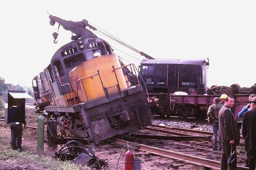 railroad train railway locomotive lv trainwreck derailment southplainfield fallenflags lehighvalleyrailroad alcoc420