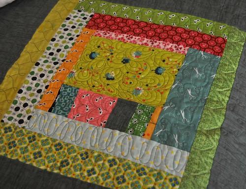 king quilt detail 3