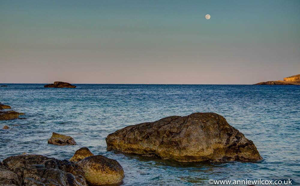 Hondoq Sundown & Moonrise | Annie Wilcox - www anniewilcox co uk