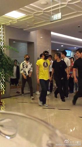 BIGBANG ARRIVAL 2015-08-07 Shenzhen by bukaopu88 (1)